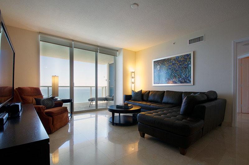 living room - Living Room Miami