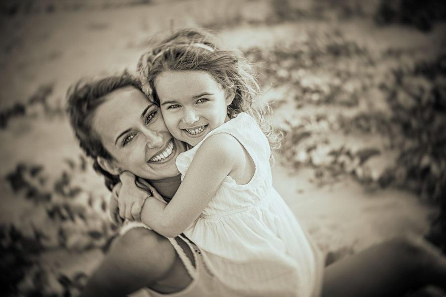 Beach Family photo session for Virginia & Antonela